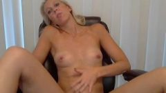 Cassideestarr Flash And Squirt At Her Desk For The Slutty Teacher